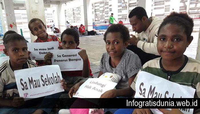 Berbagi Kamus Gratis untuk Anak Papua